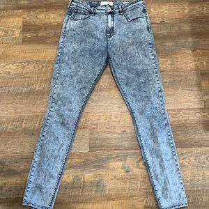 Vintage mom jeans look! Acid wash
